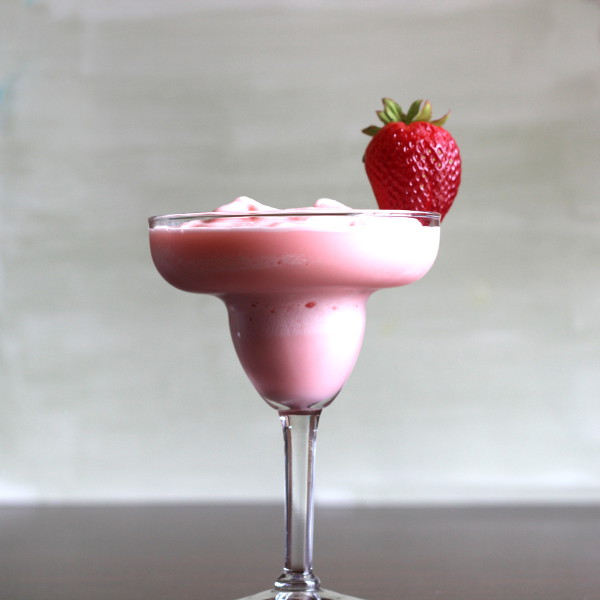 strawberry-banana-margarita-600x600