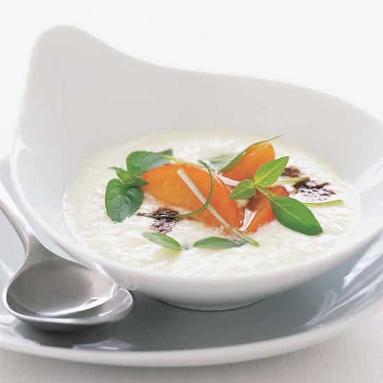 Mozarella-soup-zuppa-caprese