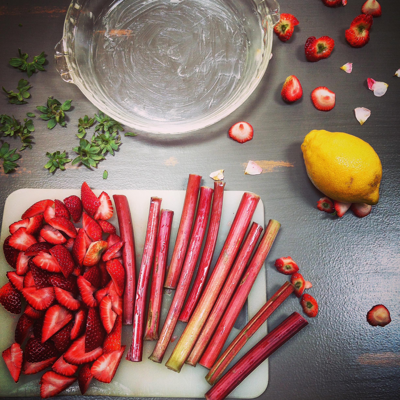 Strawberry-rhubarb-cobbler-instagram